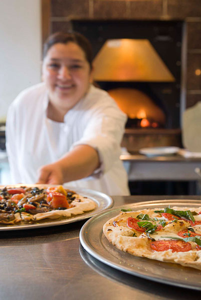 Kitchen, commercial, restaurant, pizza, pizzeria, woman, chef, oven