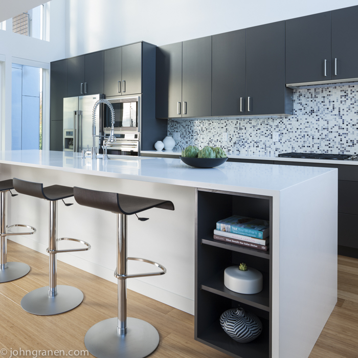 Kitchen, modern, white, gray, bamboo floor, bar stools, interior photographer, architectural photographer