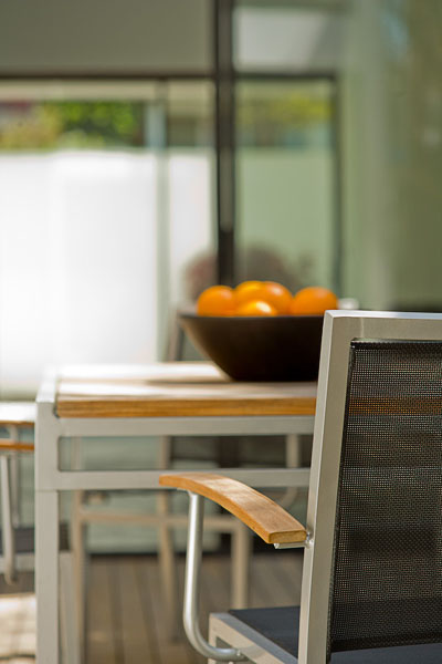 residential, dining, deck, oranges, metal chairs with wood arms